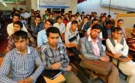 محصلین پوهنحی حقوق سمستر هفتم بعد از اجرای محکمه تمثیلی